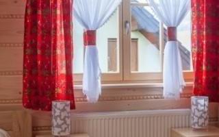 czerwony-pokoj-hotelowy