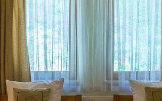 pokoj-hotelowy-z-dwoma-lozkami